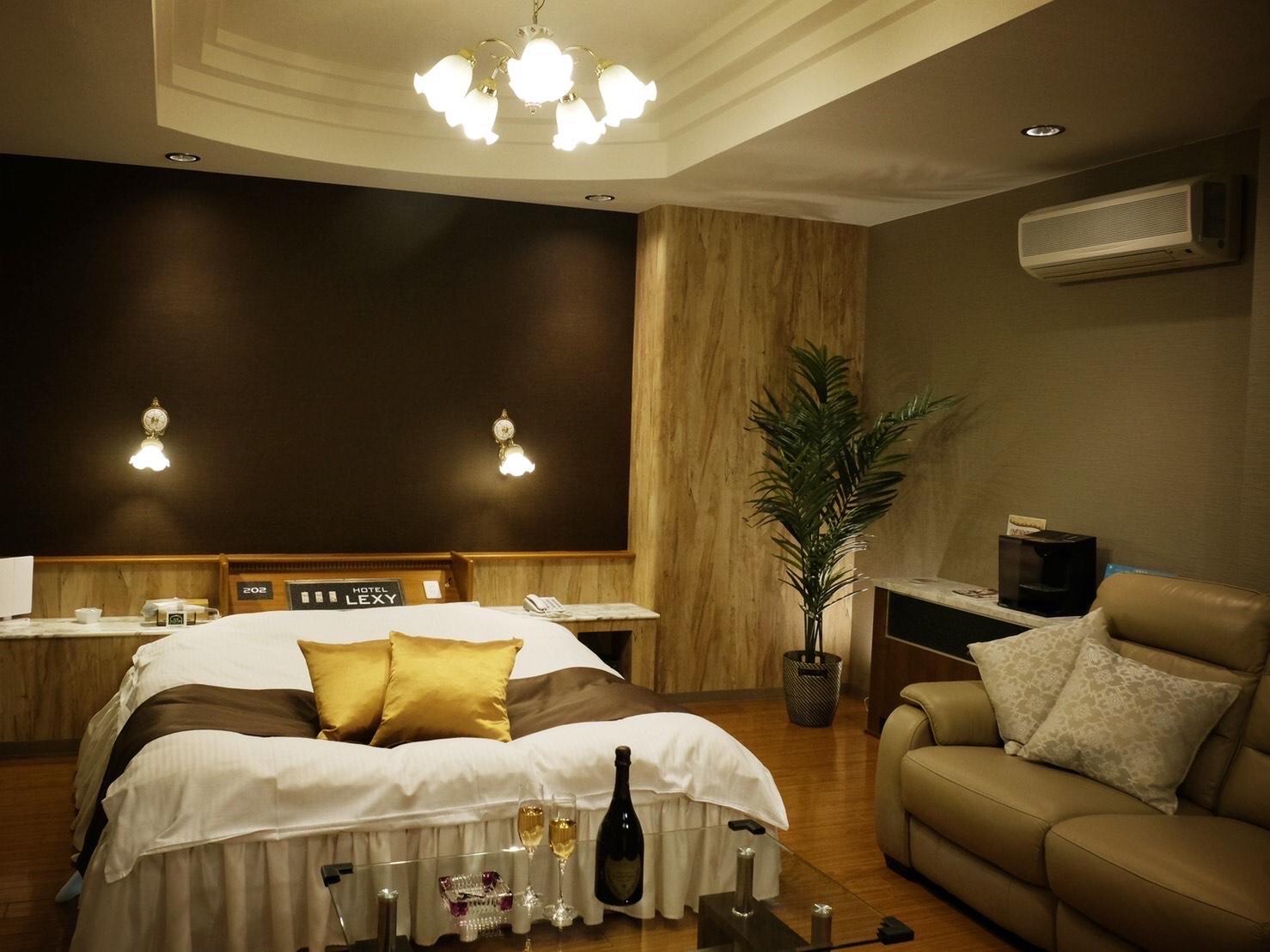 HOTEL �֊� �v���~�A�e���X